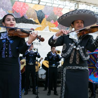 Mariachi Huenachi (ft. Mariachi Quinto Sol) | Photo by Christopher Nelson